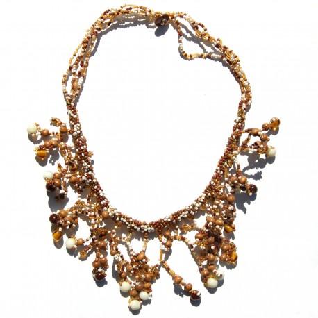 Collier court en perles de rocaille blanches 100% naturelles